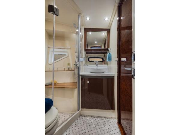 2020 Sea Ray boat for sale, model of the boat is Sundancer 510 & Image # 14 of 18