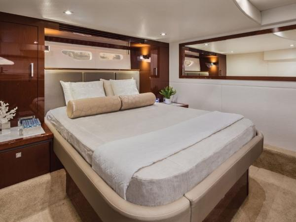 2020 Sea Ray boat for sale, model of the boat is Sundancer 510 & Image # 18 of 18