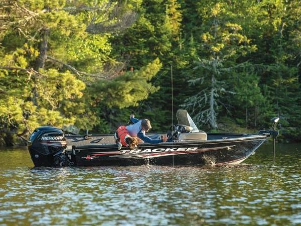 2020 Tracker Boats boat for sale, model of the boat is Pro Guide™ V-16 SC & Image # 7 of 43