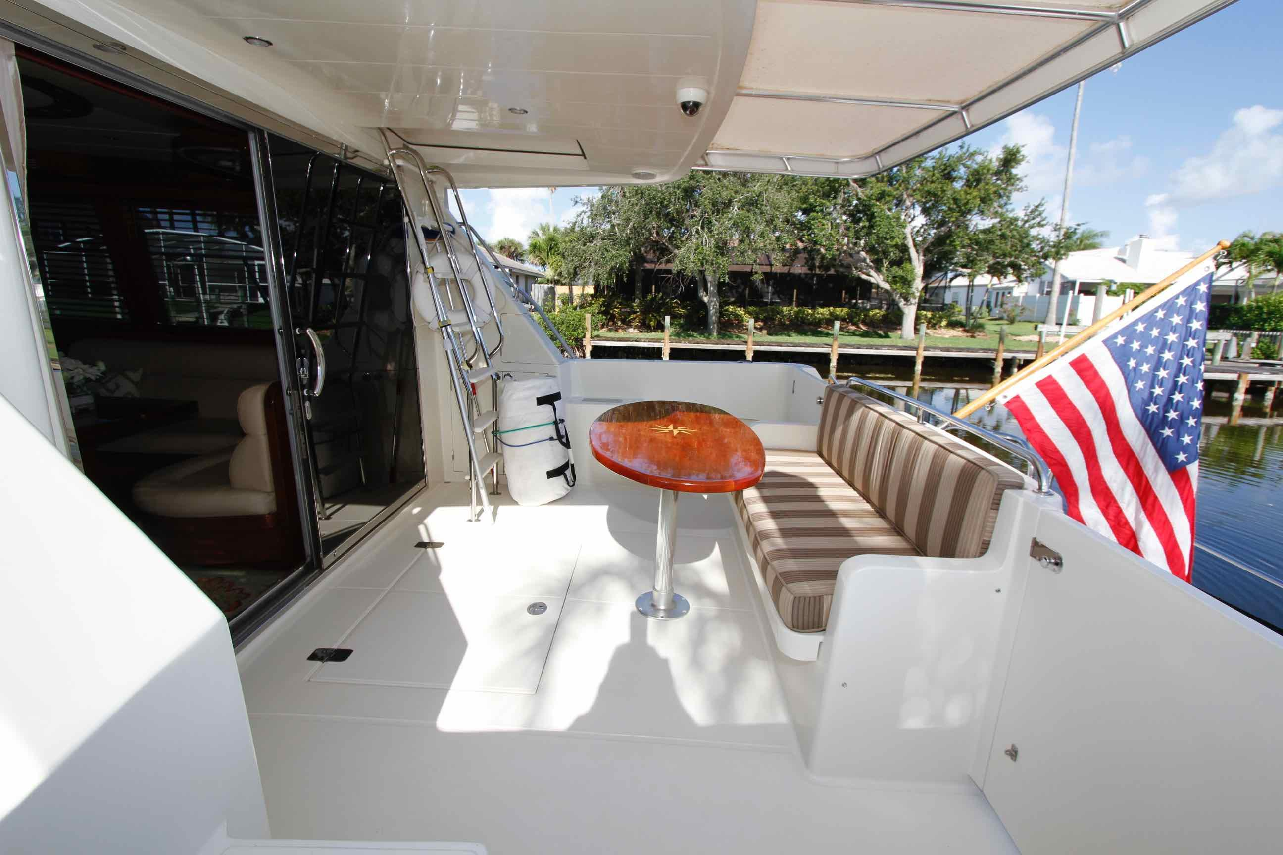 Hampton 558 Pilothouse Cockpit