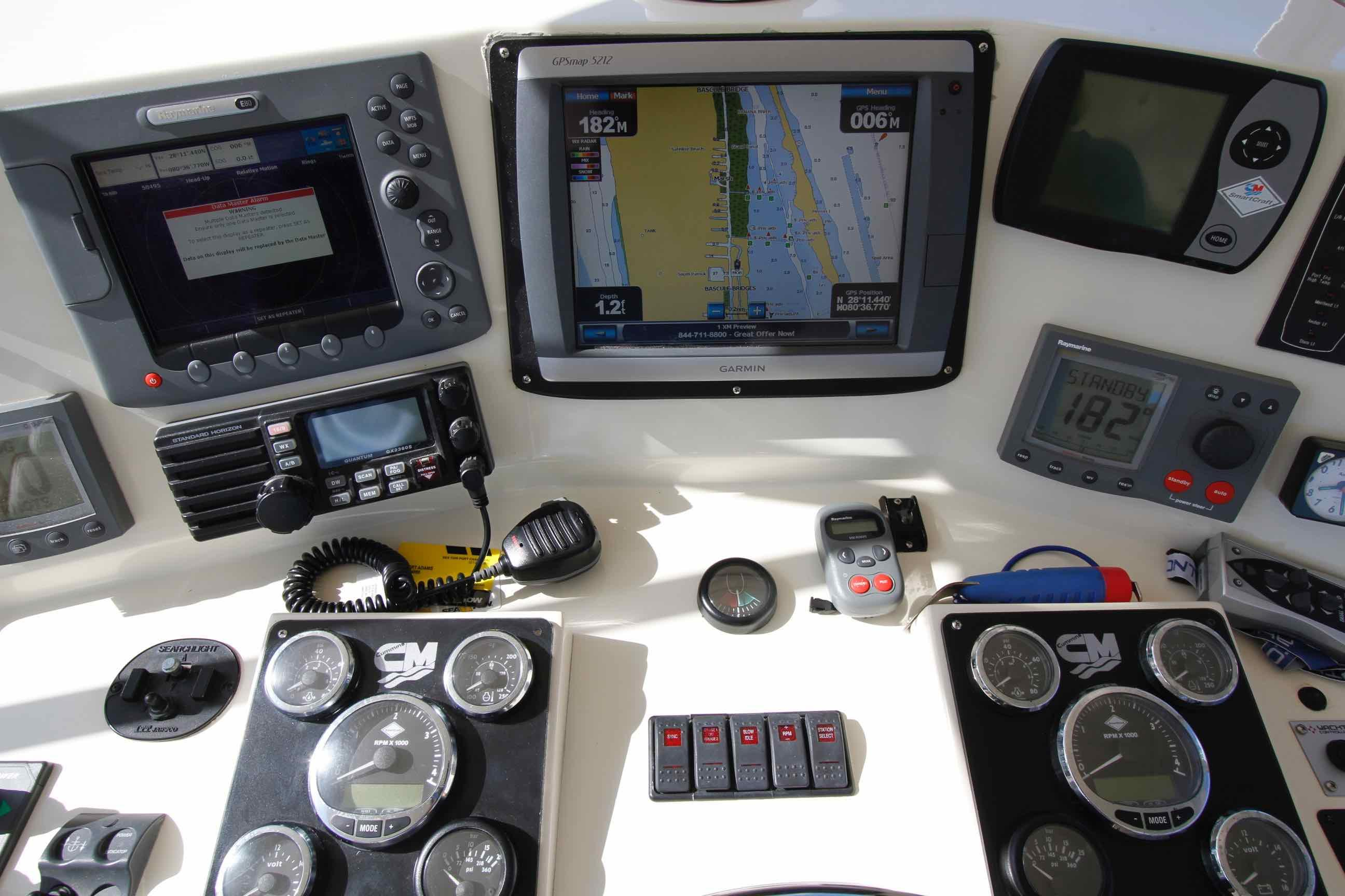 Hampton 558 Pilothouse Electronics Upper Helm