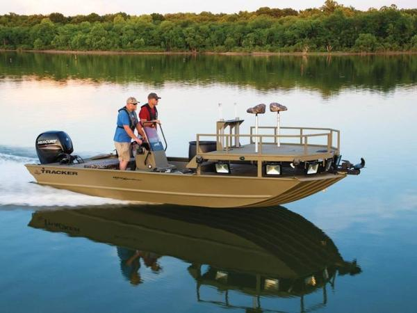 2020 Tracker Boats boat for sale, model of the boat is GRIZZLY® 2072 CC Sportsman & Image # 2 of 35