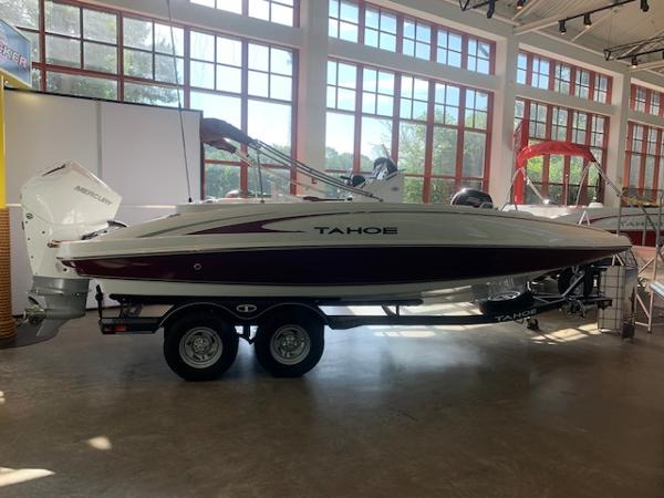2020 Tahoe boat for sale, model of the boat is 2150 CC & Image # 3 of 96