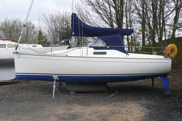 Jeanneau Sun 2500 · View Boat Details Download PDF