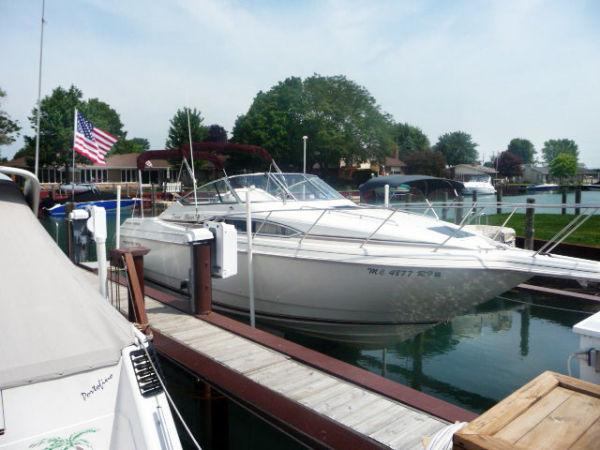 29' Monterey 296 Cruiser