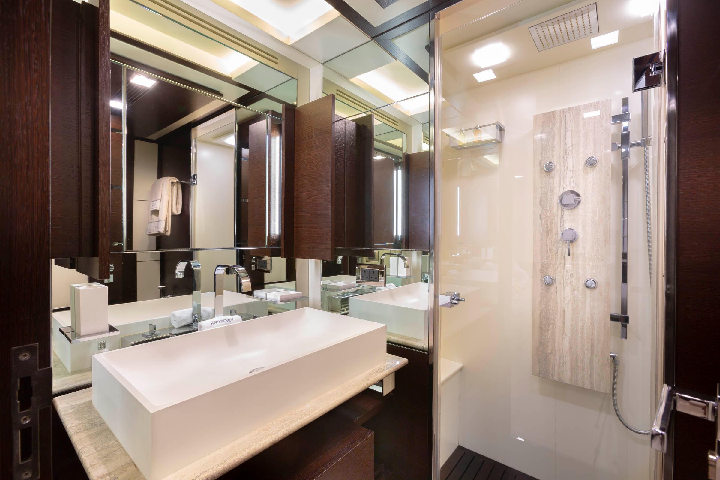 Port side twin head/shower