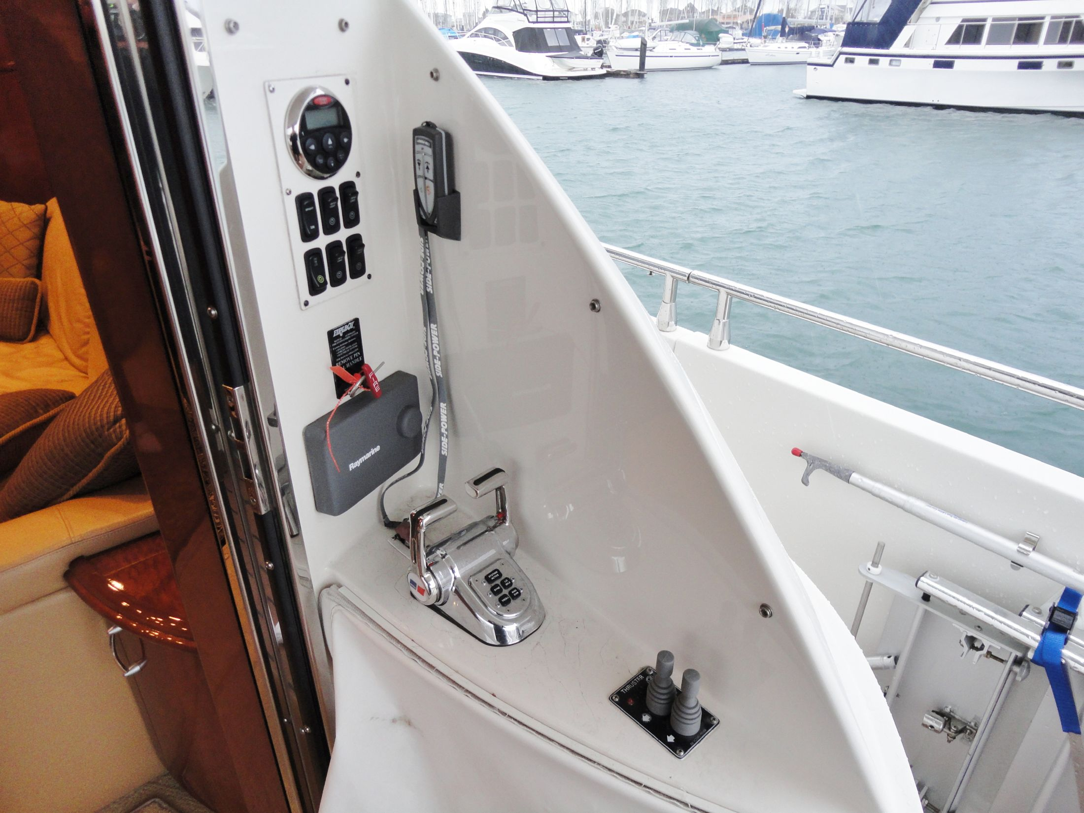 Cockpit Controls w/Auto-Pilot & Wireless Thruster Remote
