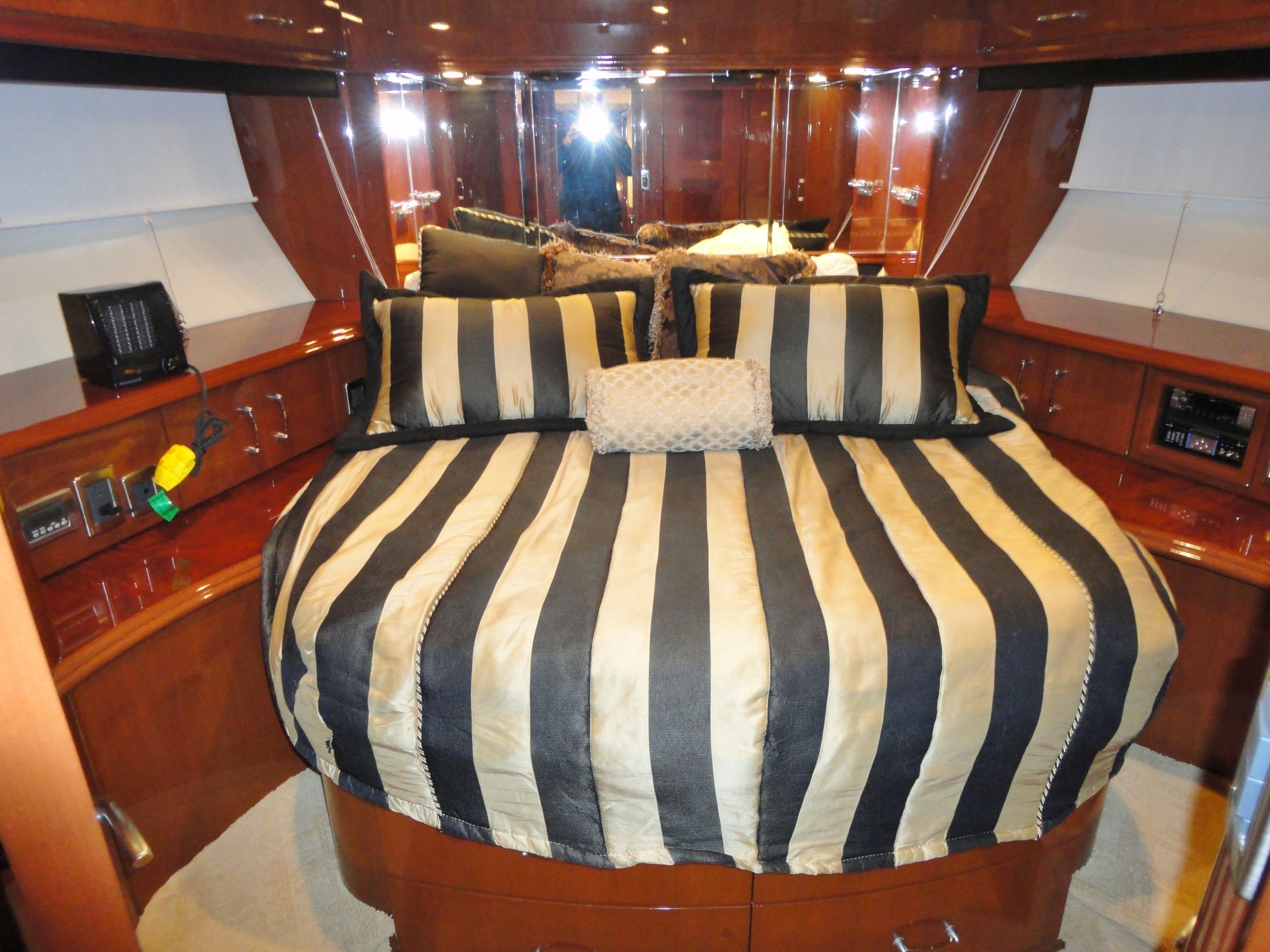 VIP Stateroom w/Entertainment System