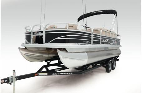 2020 Sun Tracker boat for sale, model of the boat is Signature Fishing Barge 20 w/90ELPT 4S CT & Image # 2 of 48
