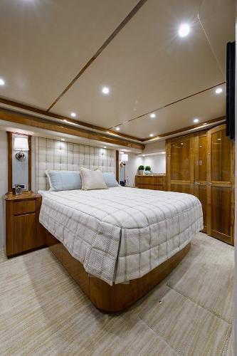 Yacht sales west palm beach 77