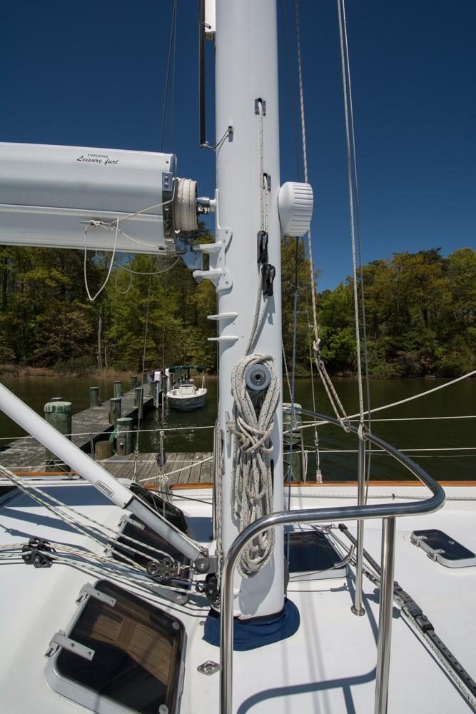 MAST W/ ELECTRIC BOOM FURLING
