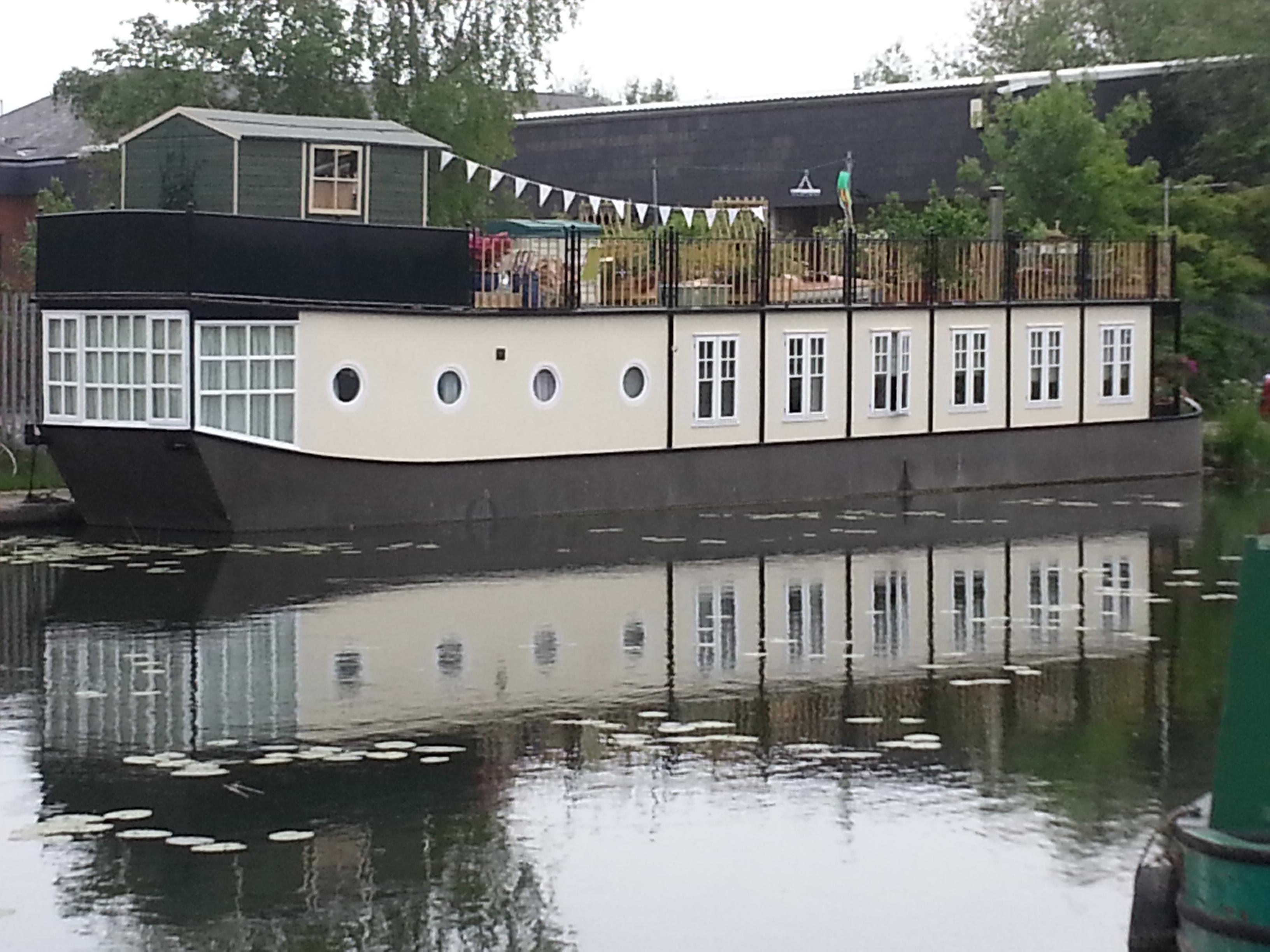 Cornwood Industries Houseboat