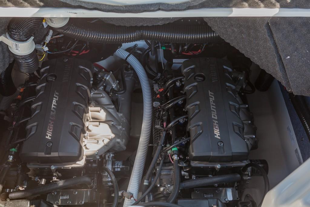 Yamaha242X E-Series