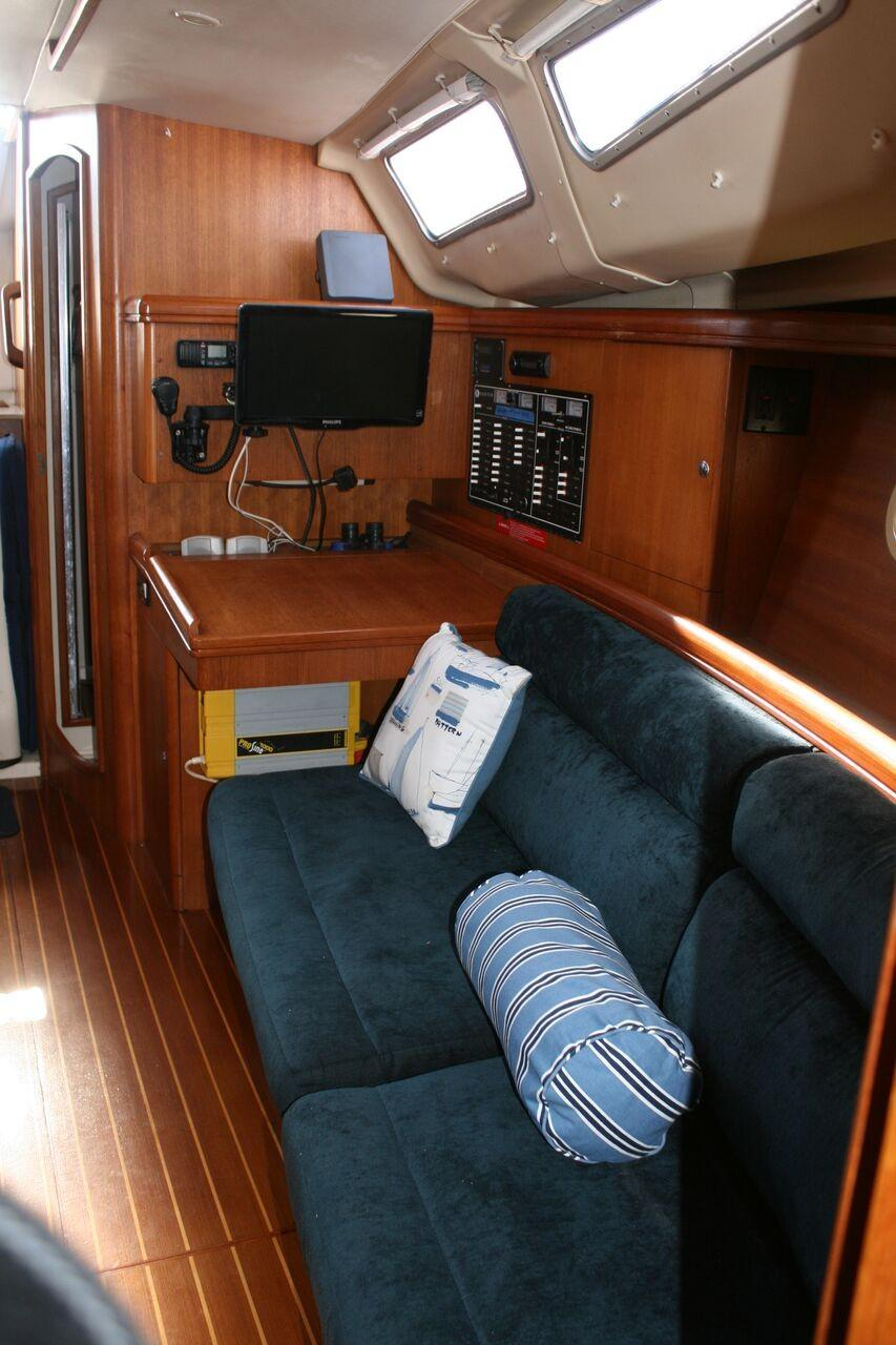 2002 Hunter 356 | Sailboats for Sale