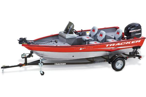 2013 Tracker Boats boat for sale, model of the boat is Pro Guide V-16 SC & Image # 5 of 18