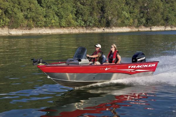 2013 Tracker Boats boat for sale, model of the boat is Pro Guide V-16 SC & Image # 4 of 18