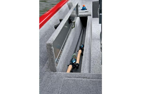 2013 Tracker Boats boat for sale, model of the boat is Pro Guide V-16 SC & Image # 9 of 18