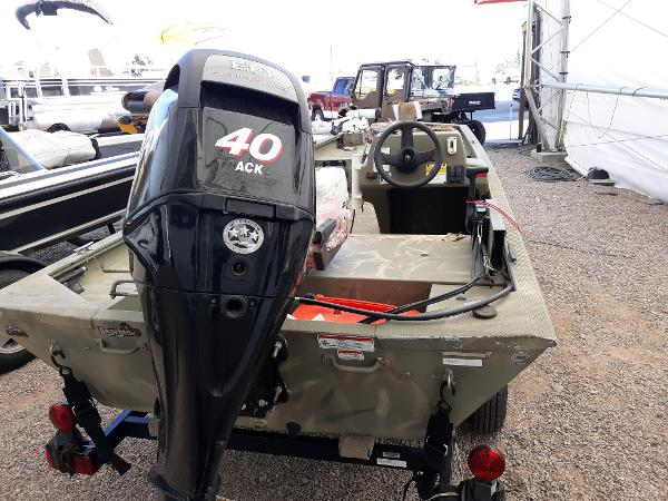 2011 Tracker Boats boat for sale, model of the boat is Grizzly 1648 Camo & Image # 1 of 2