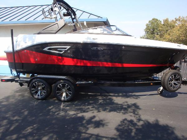 2017 SEA RAY SLX W 230 for sale