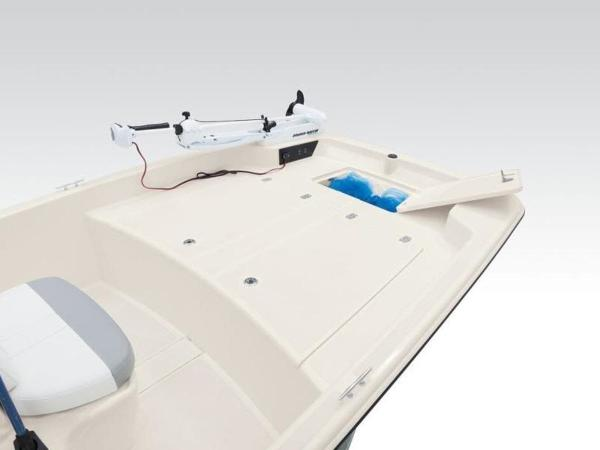 2020 Mako boat for sale, model of the boat is Pro Skiff 17 CC & Image # 4 of 26