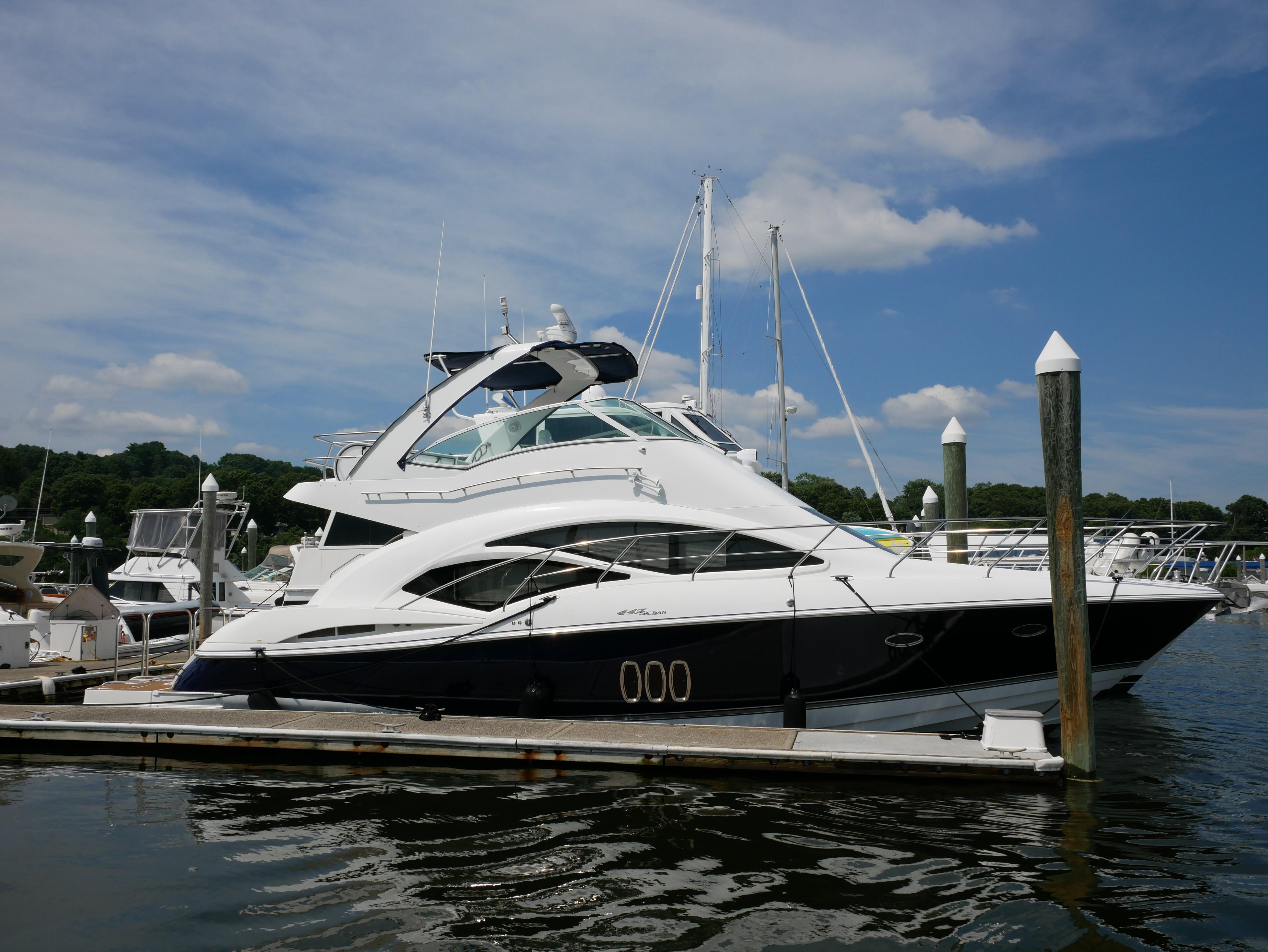 45 Ft Cruisers Yachts 447 Sport Sedan Executive Yacht Canada
