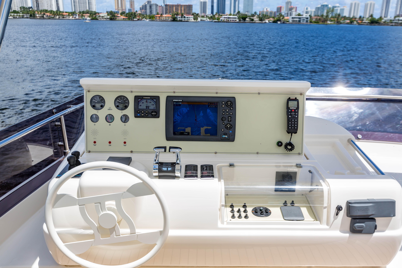 2016  Ferretti Yachts 870 Paola IV - Flybridge Helm