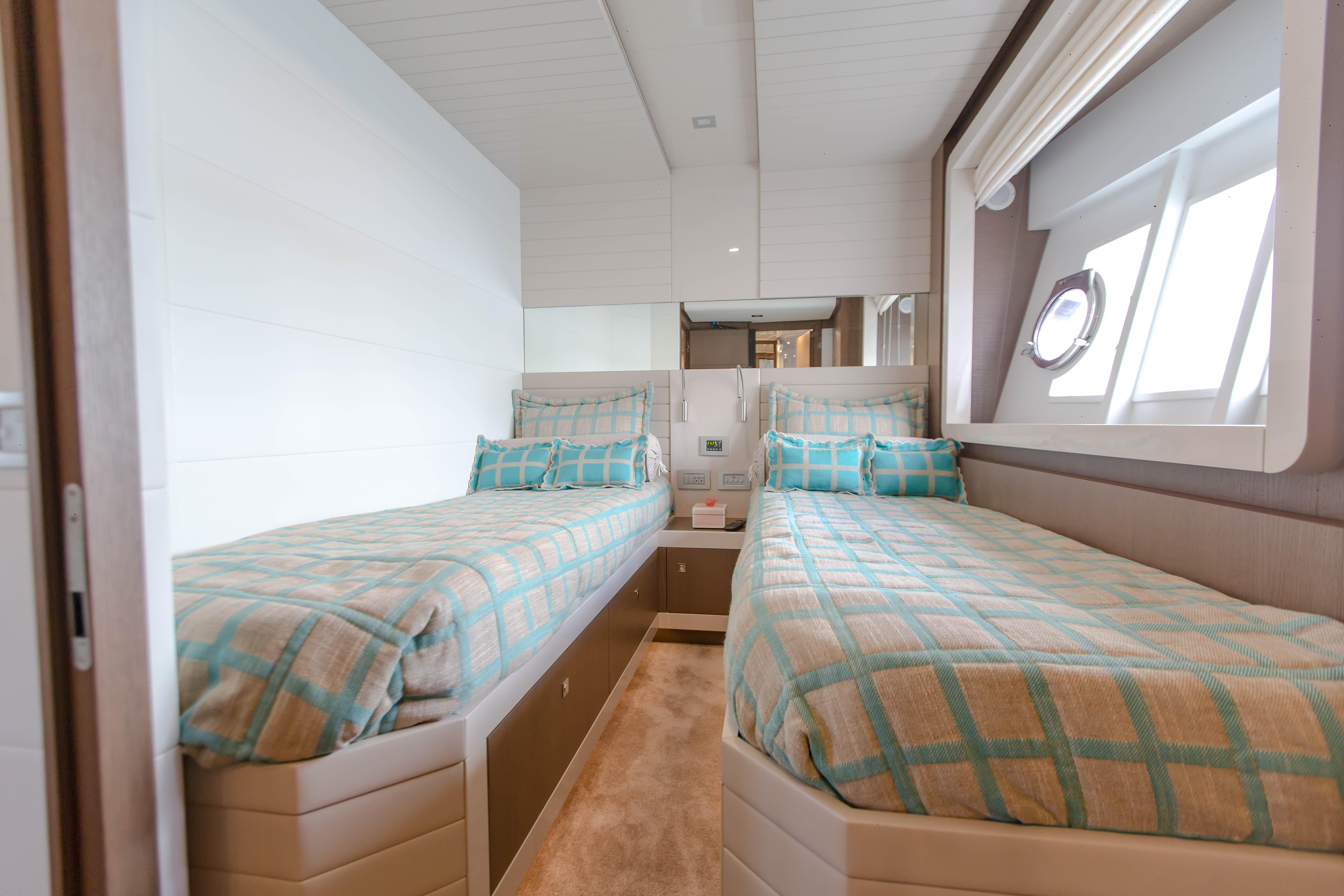 2016  Ferretti Yachts 870 Paola IV - Twin Guest Stateroom