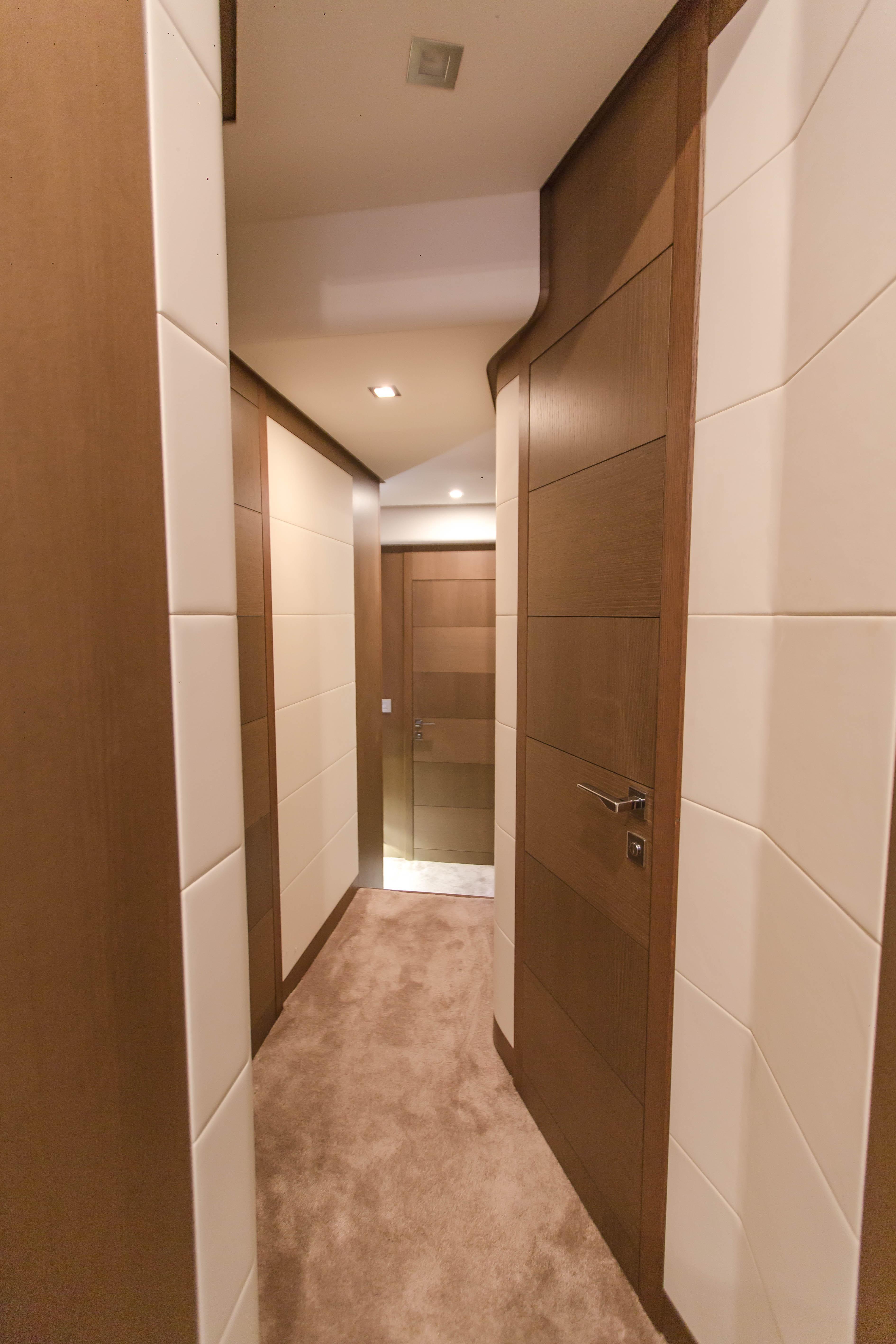 2016  Ferretti Yachts 870 Paola IV - Corridor