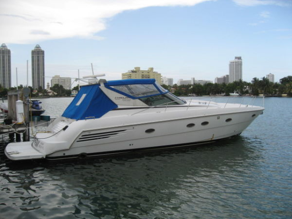 Trojan 440 Express Cruiser. Listing Number: M-3464842 44' Trojan 440