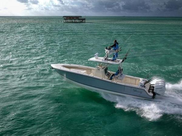 2020 Mako boat for sale, model of the boat is 334 CC Sportfish Edition & Image # 1 of 12