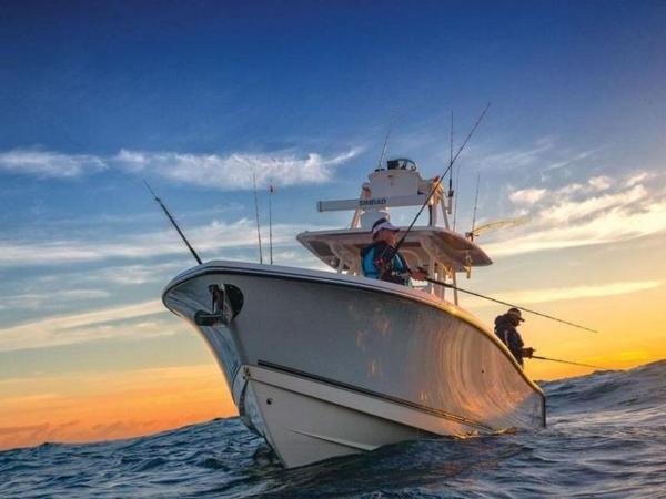 2020 Mako boat for sale, model of the boat is 334 CC Sportfish Edition & Image # 5 of 12