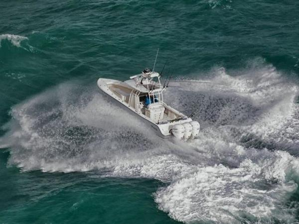 2020 Mako boat for sale, model of the boat is 334 CC Sportfish Edition & Image # 6 of 12