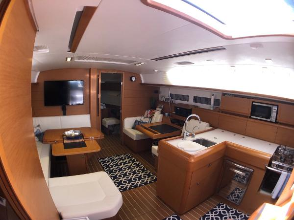 Jeanneau Sun Odyssey 469 Broker Purchase
