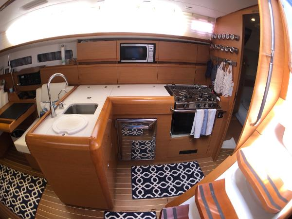 Jeanneau Sun Odyssey 469 Broker Rhode Island