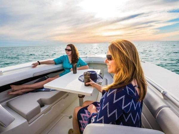 2020 Mako boat for sale, model of the boat is 334 CC Family Edition & Image # 7 of 12