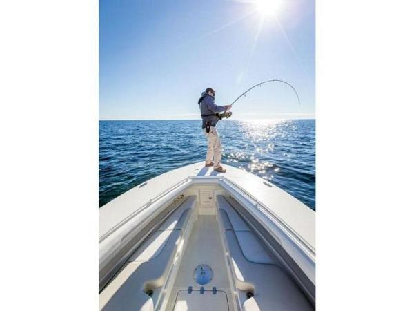 2020 Mako boat for sale, model of the boat is 334 CC Family Edition & Image # 11 of 12