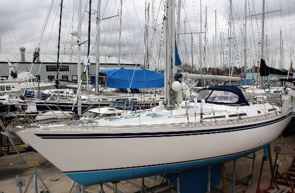 Moody 471 Custom used boat for sale from Boat Sales International
