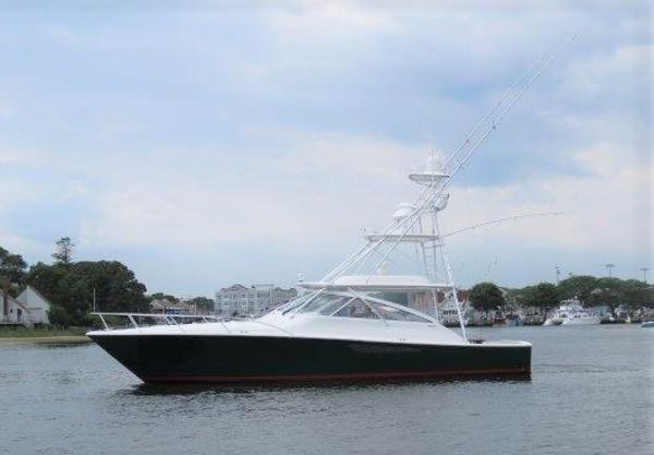 2010 46' Viking Open