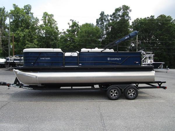 2021 Godfrey Pontoon boat for sale, model of the boat is SW 2286 SFL TT-27 & Image # 3 of 26