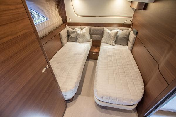 Princess Motor Yacht Sales - Used Princess 70 / F70