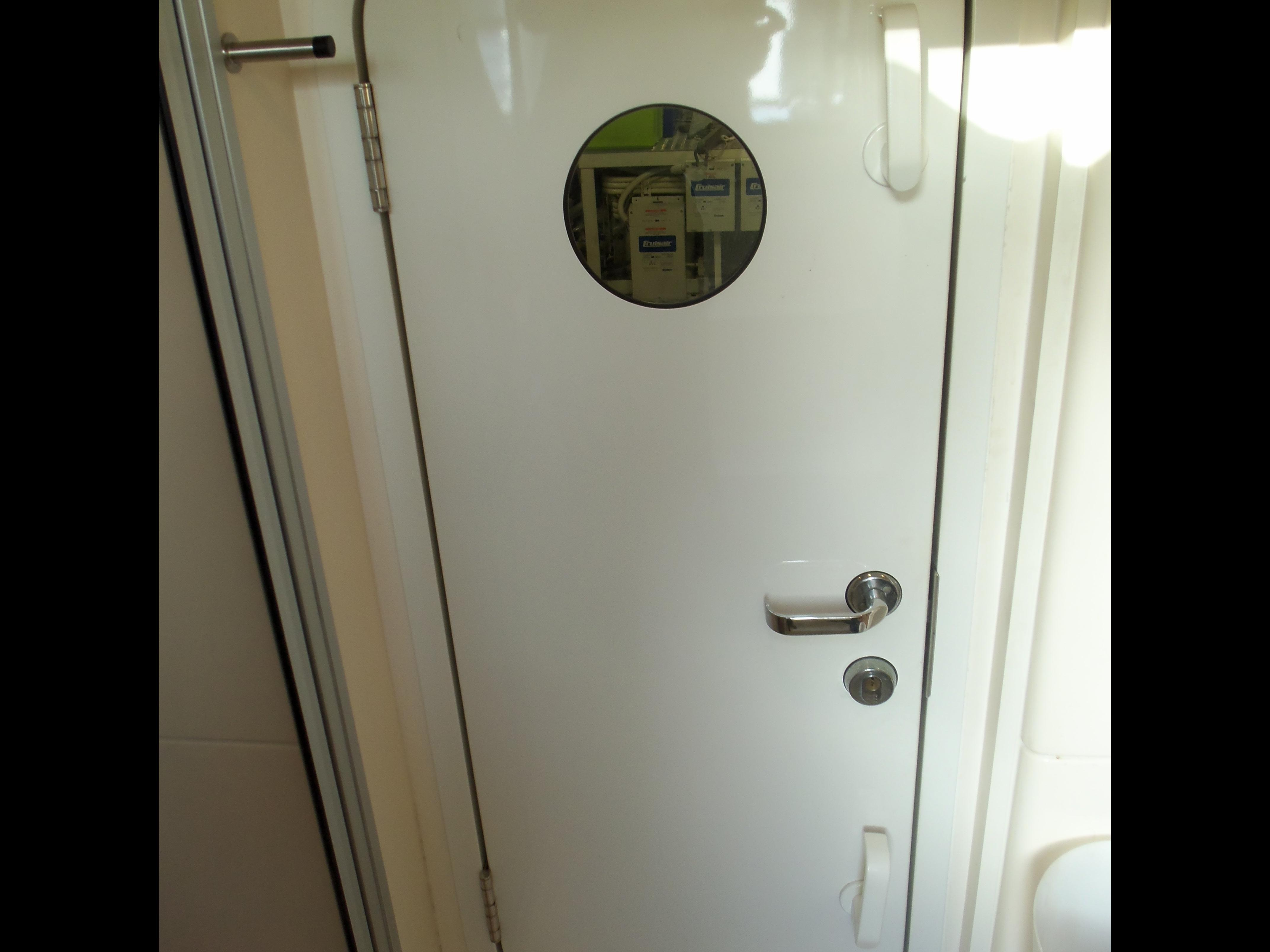 WATERTIGHT ENGINE ROOM DOOR
