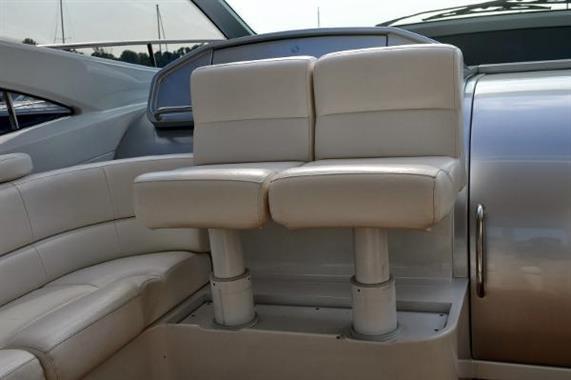 Adjustable helm seating