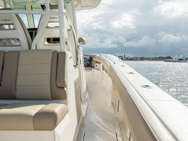 2020 Sailfish boat for sale, model of the boat is 360 CC & Image # 32 of 36