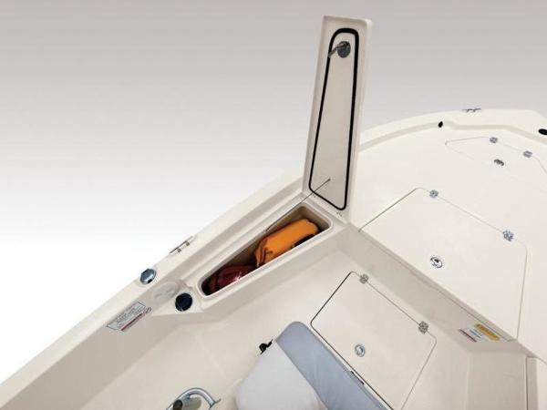 2020 Mako boat for sale, model of the boat is 19 CPX & Image # 8 of 37