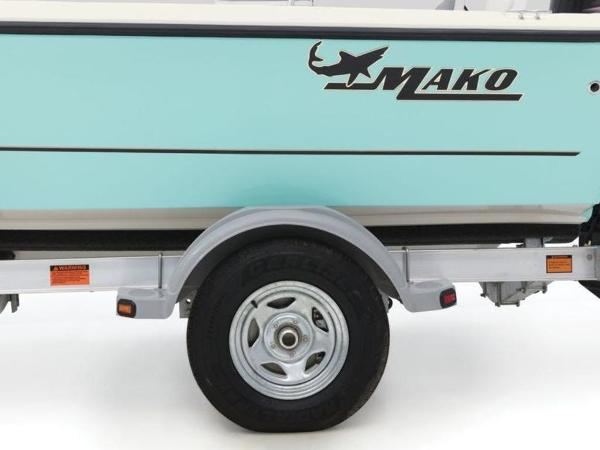 2020 Mako boat for sale, model of the boat is 19 CPX & Image # 30 of 37
