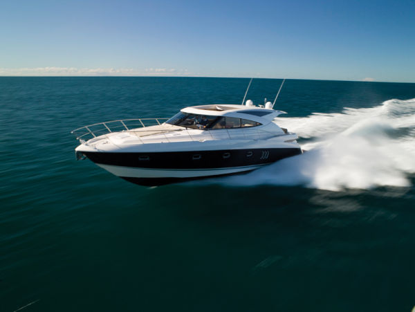 58' Riviera 5800 Sport Yacht