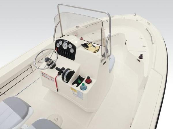 2020 Mako boat for sale, model of the boat is 184 CC & Image # 6 of 33