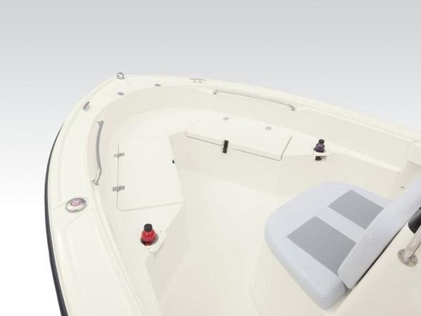 2020 Mako boat for sale, model of the boat is 184 CC & Image # 12 of 33