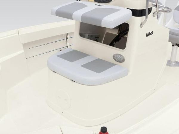 2020 Mako boat for sale, model of the boat is 184 CC & Image # 14 of 33