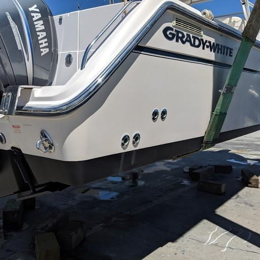 Grady-white 330 Express - Starboard Corner